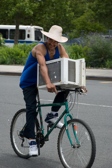 photo ~ cyclist staying cool ~ 2008-06-29 ~ Carnival ~ sputnyc