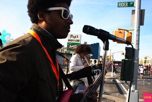 photo ~ Manyc Records at New York City Marathon ~ Nikolitsa Boutieros ~ 2008-11-02 ~ Manyc Records at New York City Marathon 2008 ~ sputnyc ~ music at New York City Marathon 2008 ~ sputnyc