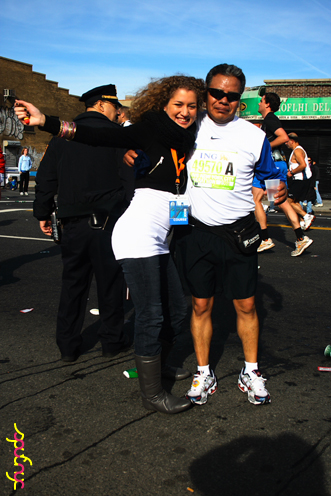 photo ~ Gaby, Arturo ~ 2008-11-02 ~ Manyc Records at New York City Marathon 2008 ~ sputnyc