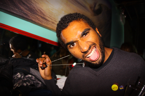 photo ~ Mark attacks ~ 2009-10-17 ~ Carnival ~ sputnyc