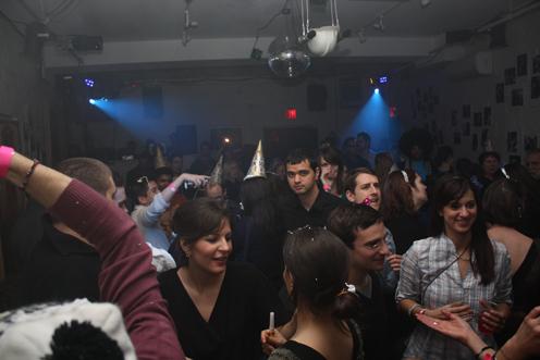 photo ~ revelers, Rangit Magasweran (electronyc) ~ Nicholas Benik ~ 2010-01-01 ~ New Year's Eve 2010 Celebration 10th Anniversary Event ~ sputnyc