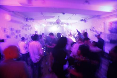 photo ~ drunken dance ~ Edgar Barbosa ~ 2010-01-01 ~ New Year's Eve 2010 Celebration 10th Anniversary Event ~ sputnyc