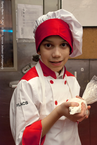photo ~ finishing touches on dessert ~ Iyonce Jackson (photogenyc) ~ 2015-02-27 ~ Spring Bank presents Healthy Hearts ~ sputnyc